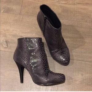 Nine West Most Wanted grey Brown booties 6.5